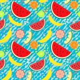 Modell för vektor för sommarfrukter sömlös med den vattenmelonstycken, bananer och citruns stock illustrationer