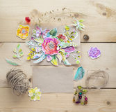 Modell för presentationer med pappers- blommor för vattenfärg Arkivfoton