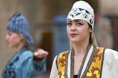 Modell i en modeshow i Bukhara Royaltyfri Bild