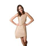 Modell i en pappers- klänning royaltyfri bild