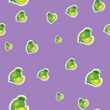 modell liten limefrukt och olika format för sidor på purpurfärgad bakgrund Royaltyfri Bild