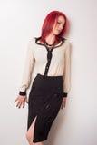 Modell med livligt rött hår Royaltyfri Fotografi