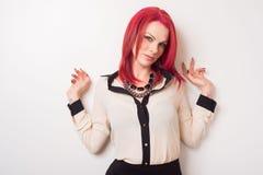 Modell med livligt rött hår Royaltyfri Foto