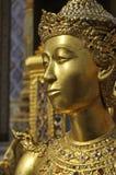 Modell Thailand för framsida för guldskulpturflank Royaltyfria Foton