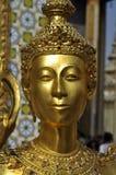 Modell Thailand för guldskulpturframsida Arkivbilder