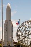 Modell von Ariane- 5weltraumrakete stockfoto