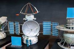 Modelle von Raumschiffen im zentralen Haus von Luftfahrt und von Cosmon lizenzfreies stockfoto