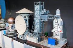 Modelle von Raumschiffen im zentralen Haus von Luftfahrt und von Cosmon lizenzfreie stockbilder
