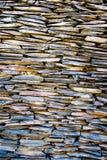 Modellen av dekorativt kritiserar yttersida för stenväggen Fotografering för Bildbyråer