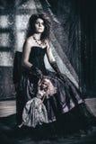 Modellen i bilden av en tokig kvinna Fotografering för Bildbyråer