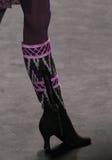 Modellen Mariana Santana går landningsbanan på den Anna Sui modeshowen under MBFW-nedgången 2015 Arkivfoton