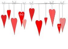 Modellen med en teckning av klotterhjärtor i ärtor gjorde randig dekorativ romantisk bakgrund för buren för valentins kort för da vektor illustrationer