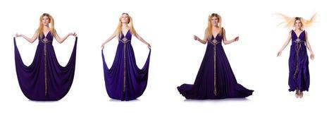 Modellen som bär trendiga kläder som isoleras på vit Royaltyfri Foto