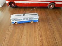 Modellen van trolleybussen, elektrische modellen van stad stock foto's