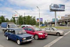 Modeller av bilar, nytt och jämfört gammalt Royaltyfria Foton
