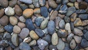 Modeller av bildandet av stenar är ordnade i bakgrunden arkivfoton