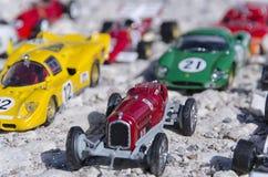 Modeller av klassiska bilar i solen Royaltyfria Bilder