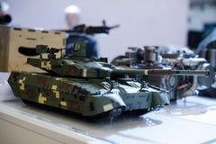 Modeller av modern militär utrustning av ukrainsk produktion tankar Arkivfoto
