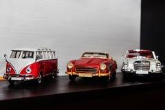 Modeller av retro bilar Arkivfoto