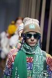 Modeller går landningsbanafinalen på de eniga färgerna av den Benetton showen på Milan Fashion Week Autumn /Winter 2019/20 arkivbild