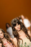 Modeller går landningsbanafinalen under den Alberta Ferretti showen som en del av Milan Fashion Week Royaltyfria Bilder