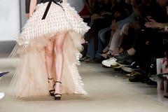 Modeller i modeshow Arkivbild
