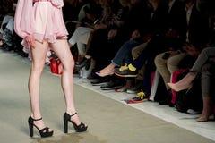 Modeller i modeshow Arkivbilder