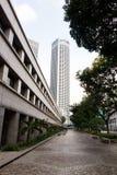 Modeller, linjer och kontraster av byggnader i Singapore royaltyfria foton