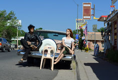 Modeller på tappning bil- Route 66, Seligman, USA Royaltyfri Fotografi