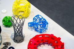 Modelli astratti stampati dal primo piano della stampante 3d Immagini Stock Libere da Diritti