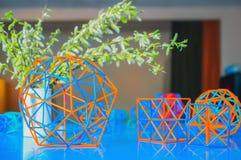 Modelli colorati volumetrici dei solidi geometrici Fotografie Stock Libere da Diritti