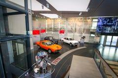 Modelli dell'alfa Romeo Montreal, di Alfasud e di Alfetta su esposizione al museo storico Alfa Romeo fotografia stock