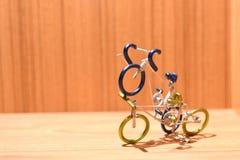 Modelli della bicicletta e aree di testo immagini stock