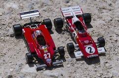 Modelli delle automobili classiche al sole Immagini Stock