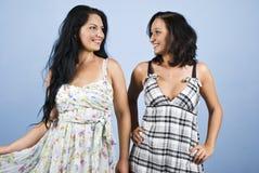 Modelli di modo in vestiti da estate Immagini Stock Libere da Diritti