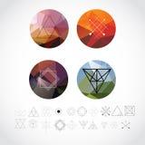 Modelli geometrici astratti determinati con le icone di stile dei pantaloni a vita bassa per Logo Design Linea retro segni per i  Fotografie Stock Libere da Diritti