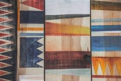 Modelli geometrici astratti su legno Fotografie Stock Libere da Diritti