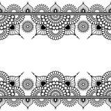 Modelli gli elementi senza cuciture del confine nello stile indiano di mehndi per il tatuaggio o la carta su fondo bianco Fotografie Stock