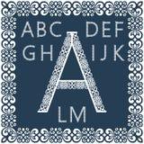 Modelli per il ritaglio delle lettere Alfabeto inglese completo Può essere usato per il taglio del laser Immagine Stock Libera da Diritti