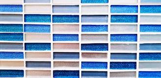 Modelli senza cuciture della parete blu, bianca e grigia delle mattonelle per fondo Fotografia Stock