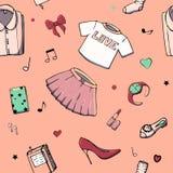 Modelli senza cuciture di vettore con la roba delle ragazze Illustrazione di modo con l'abbigliamento, i gioielli, i cosmetici, i royalty illustrazione gratis