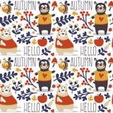 Modello animale sveglio senza cuciture di autunno fatto con l'orso Fotografie Stock Libere da Diritti