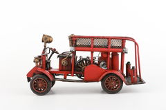 Modello antico del camion dei vigili del fuoco su fondo bianco Immagine Stock Libera da Diritti