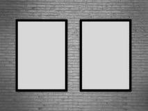 Modello in bianco della cornice sulla parete di lerciume, rappresentazione realistica del telaio della foto, illustrazione 3D Fotografia Stock