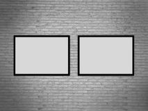 Modello in bianco della cornice sulla parete di lerciume, rappresentazione realistica del telaio della foto, illustrazione 3D Fotografia Stock Libera da Diritti