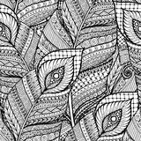 Modello in bianco e nero del fondo di retro scarabocchio floreale etnico asiatico senza cuciture nel vettore con le piume Immagine Stock