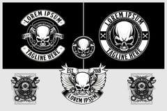 Modello in bianco e nero di vettore della testa del cranio del motociclista dei badass e di stupore illustrazione di stock