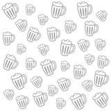 Modello bianco grigia sveglio con le tazze di birra Fotografia Stock