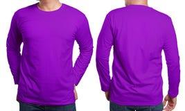 Modello collegato lungo porpora di progettazione della camicia Fotografie Stock Libere da Diritti