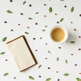 Modello colourful del caffè di mattina Disposizione piana Fotografia Stock Libera da Diritti